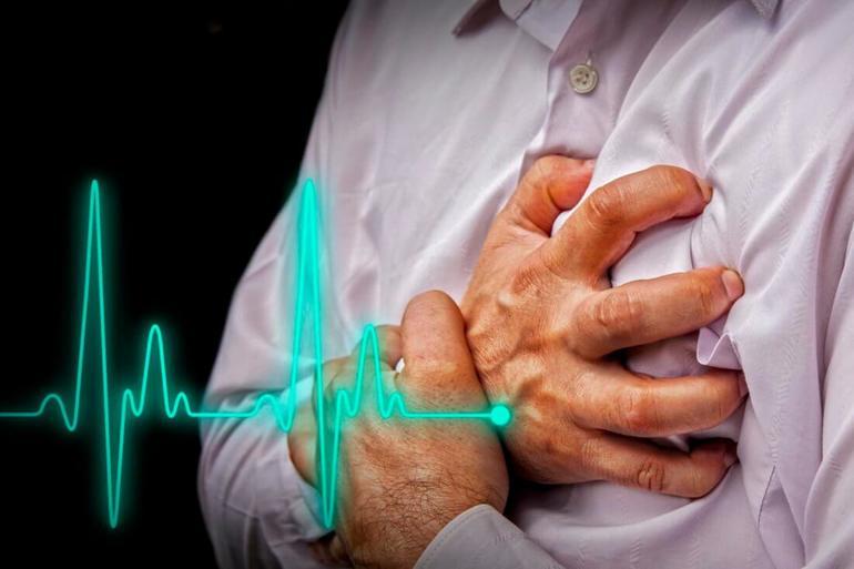 При инфаркте наблюдается быстрое повышение уровня ВМ и КФК