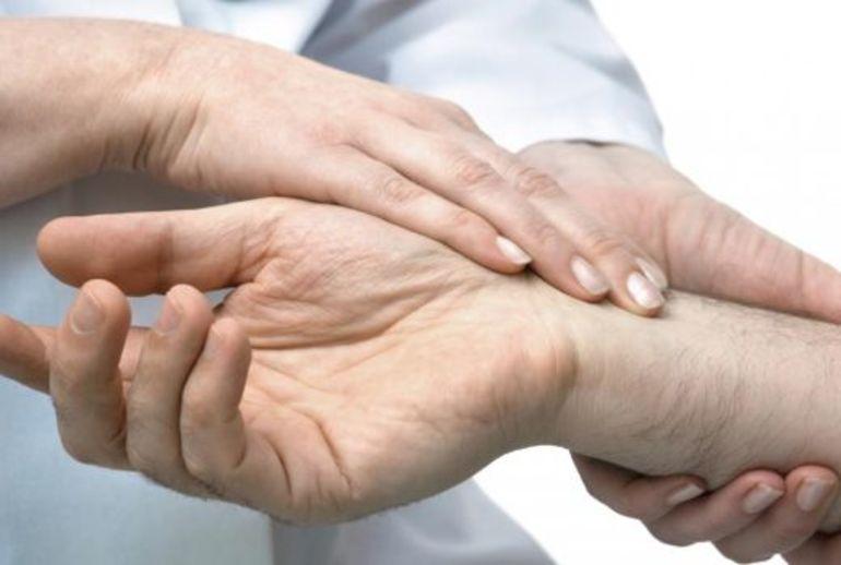 Высокое давление: более 40 причин, симптомы, что делать в ...