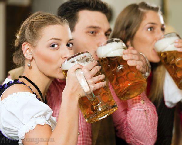 люди пью пиво