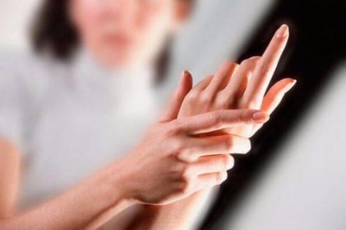 парестезия пальцев