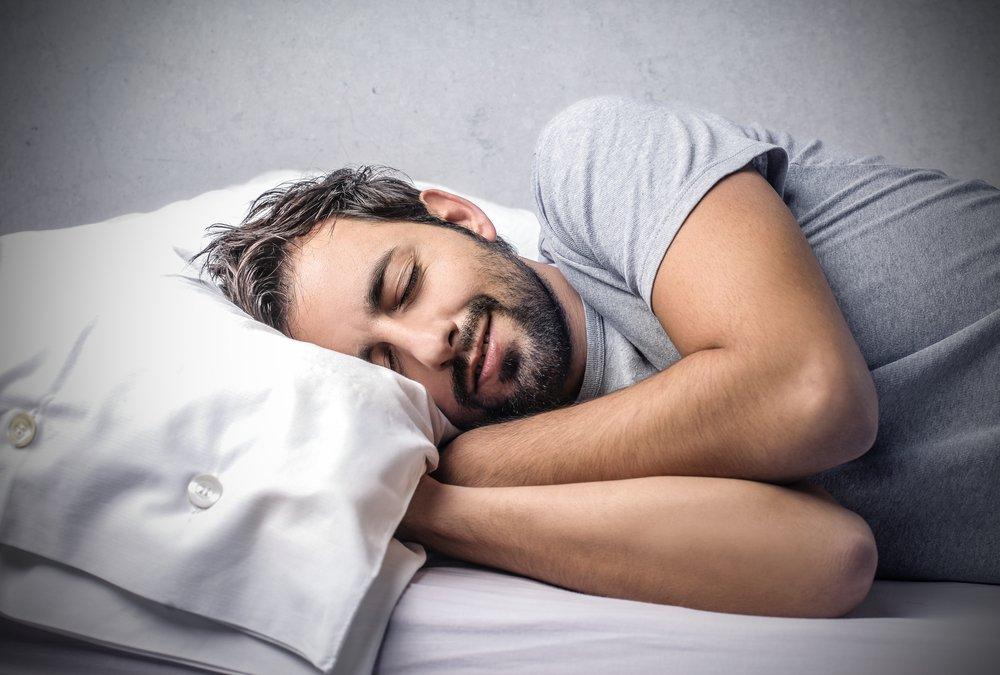 Человек спит