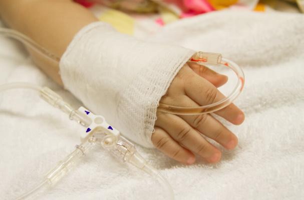 rebenok v bolnice